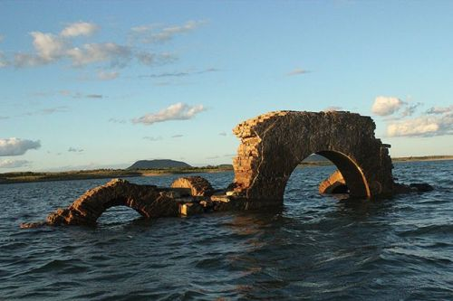 canudos-brazil-ruins
